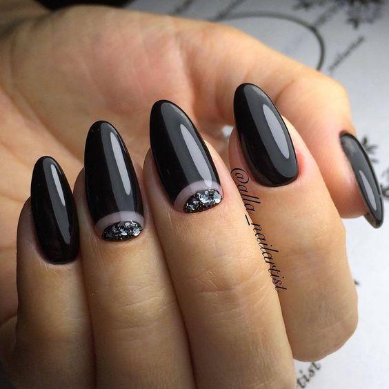 Czarne paznokcie z cyrkoniami