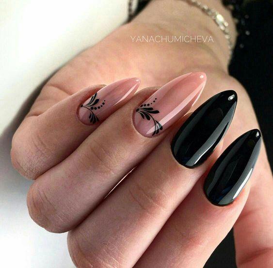 Czarno beżowy manicure