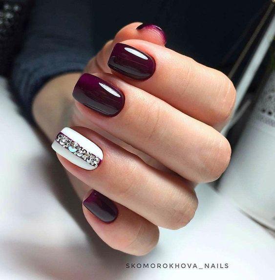 Eleganckie fioletowe paznokcie