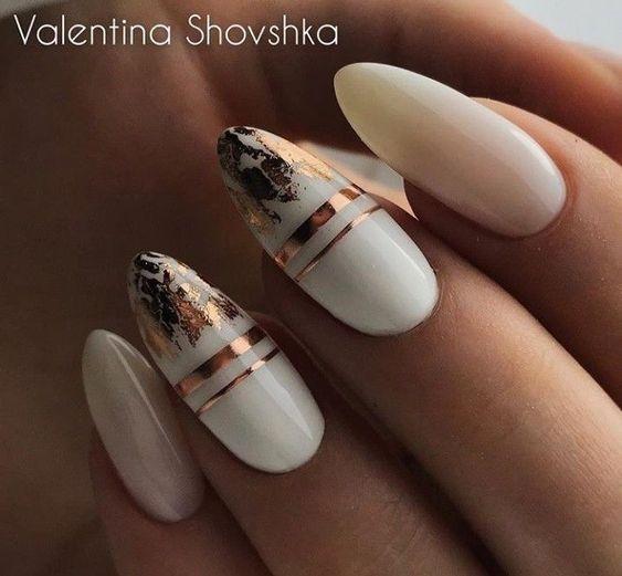 Biało beżowe paznokcie na zimę