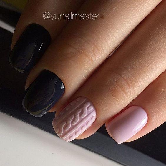 Różowe sweterki na paznokciach