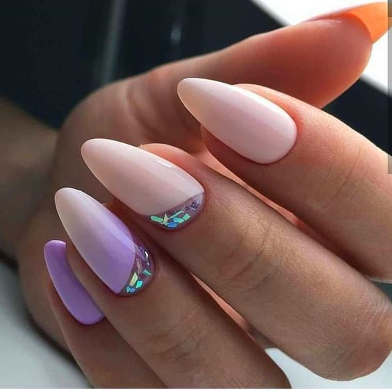 Pastelowe paznokcie z wzorkami