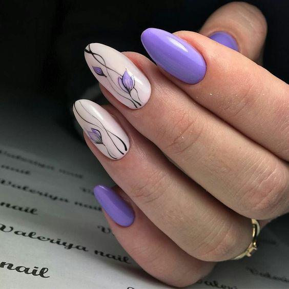 Wrzosowe paznokcie z kwiatami