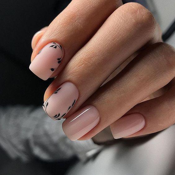 Naturalne paznokcie na jesień