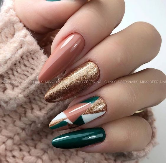 Manicure z wzorkami na jesień