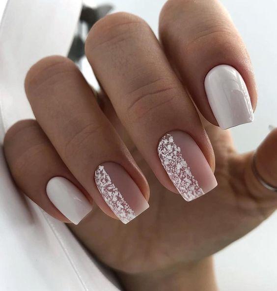 Białe paznokcie na zimę
