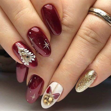 Ciemnoczerwone paznokcie na święta