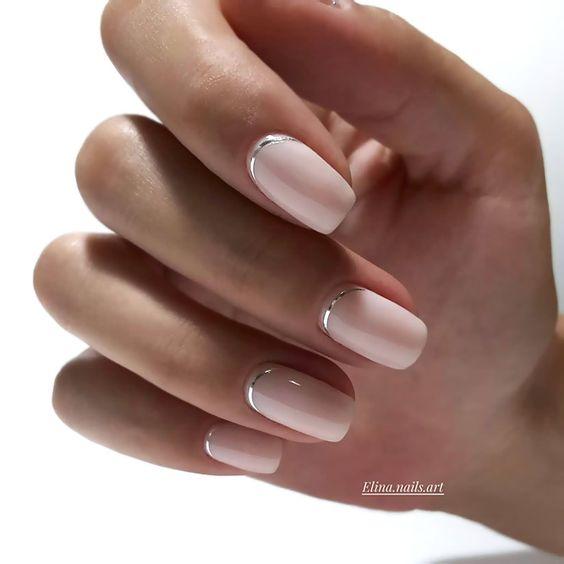 Eleganckie naturalne paznokcie