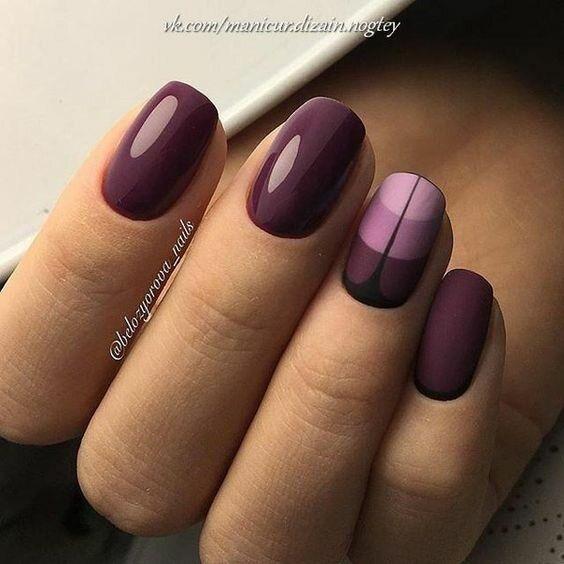 Matowy manicure w kolorze bordowym