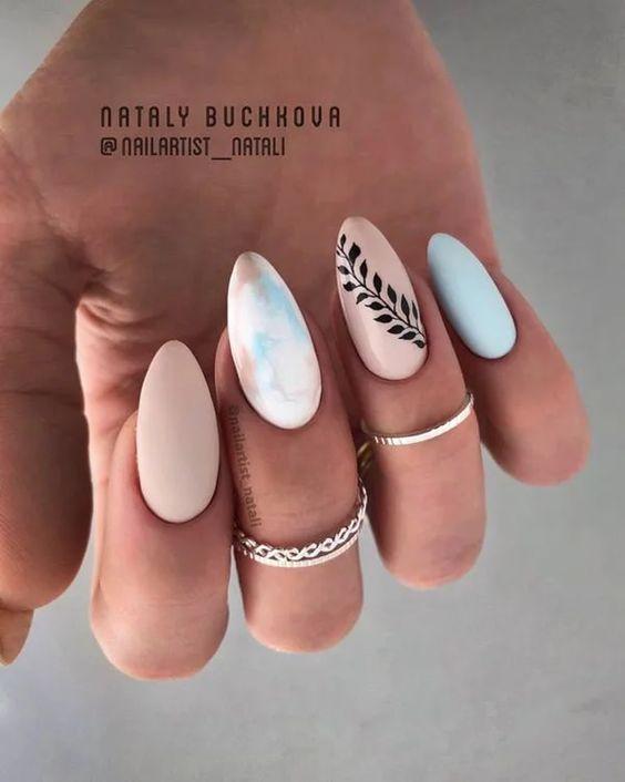 Beżowy manicure na wiosnę