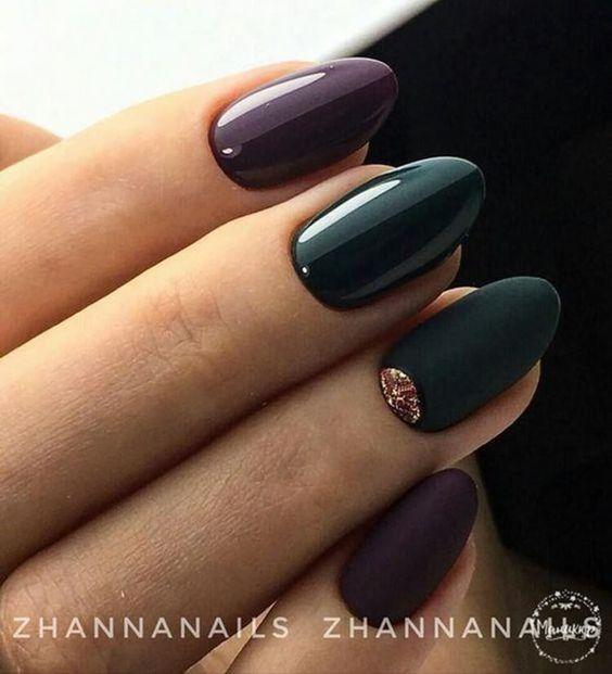 Eleganckie ciemne paznokcie