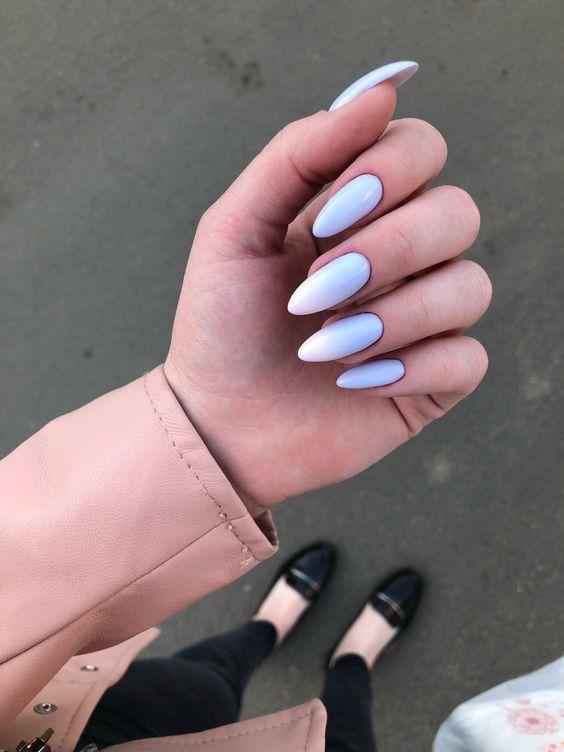 Paznokcie z błękitnym ombre
