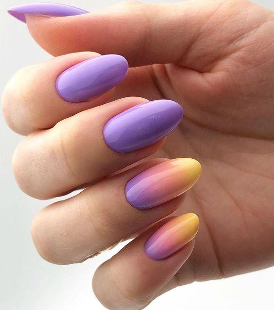 Fioletowe paznokcie z żółtym ombre