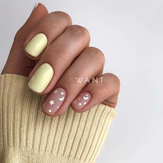 Pastelowy manicure w żółtych odcieniach
