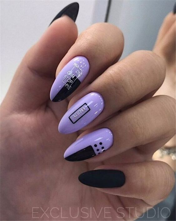 Lawendowe paznokcie z geometrycznymi wzorami