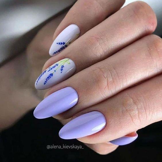 Lawendowe paznokcie z wzorkami