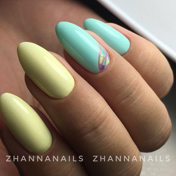 Żółto miętowe paznokcie