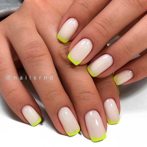 Manicure french na lato