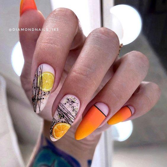 Matowy manicure na lato