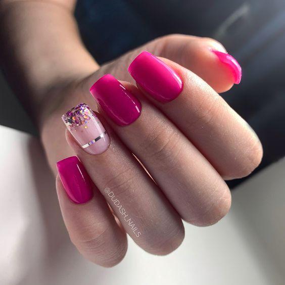 Różowe paznokcie na wakacje