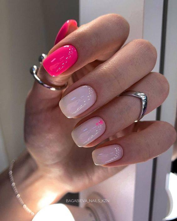 Inspiracje na różowe paznokcie