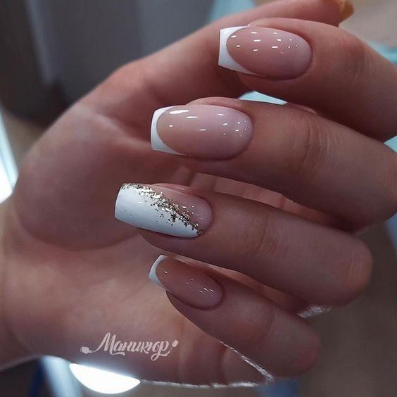 Francuski manicure z wzorkami